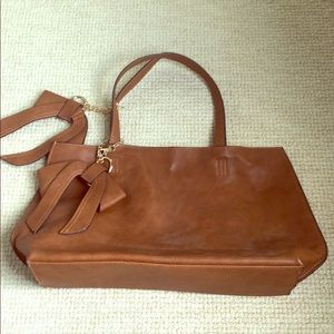 Faux leather cinnamon brown tote bag w side bows